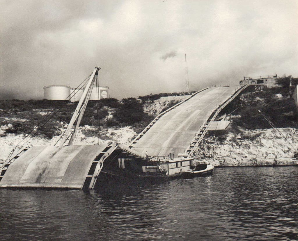 curacao, juliana bridge, keycaribe, morrenpoleon