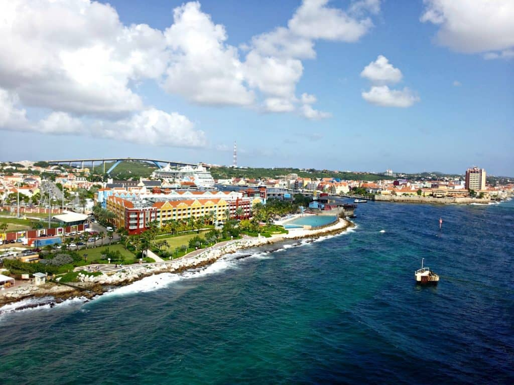 visit-curacao