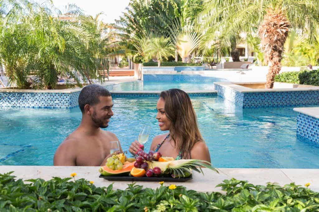Couple in pool Acoya Curacao