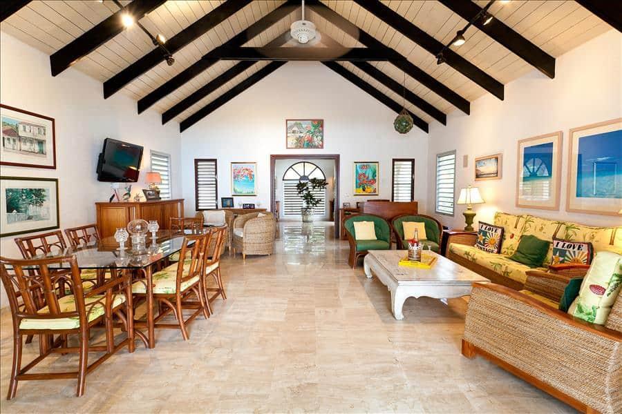 Baie Longue Beach House Living