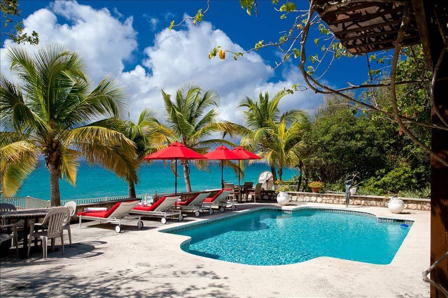 Baie Longue Beach House Pool terrace