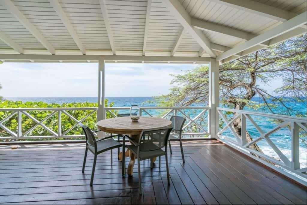 Upper apartment seaside terrace