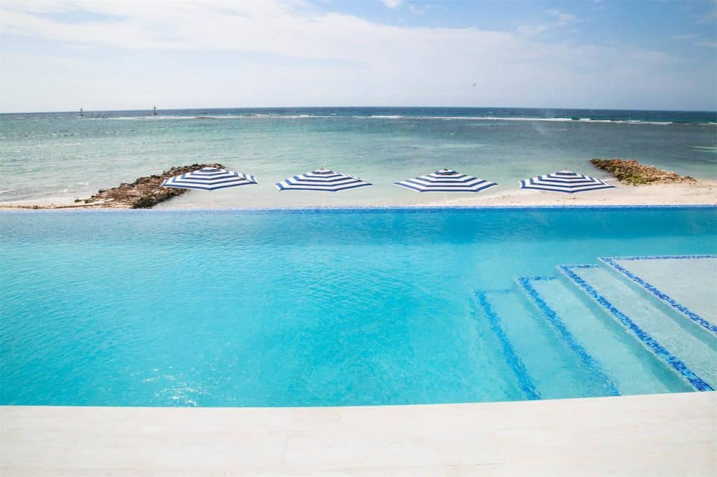 Aruba Beachfront Estate pool