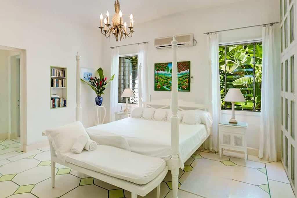bedroom. jpg