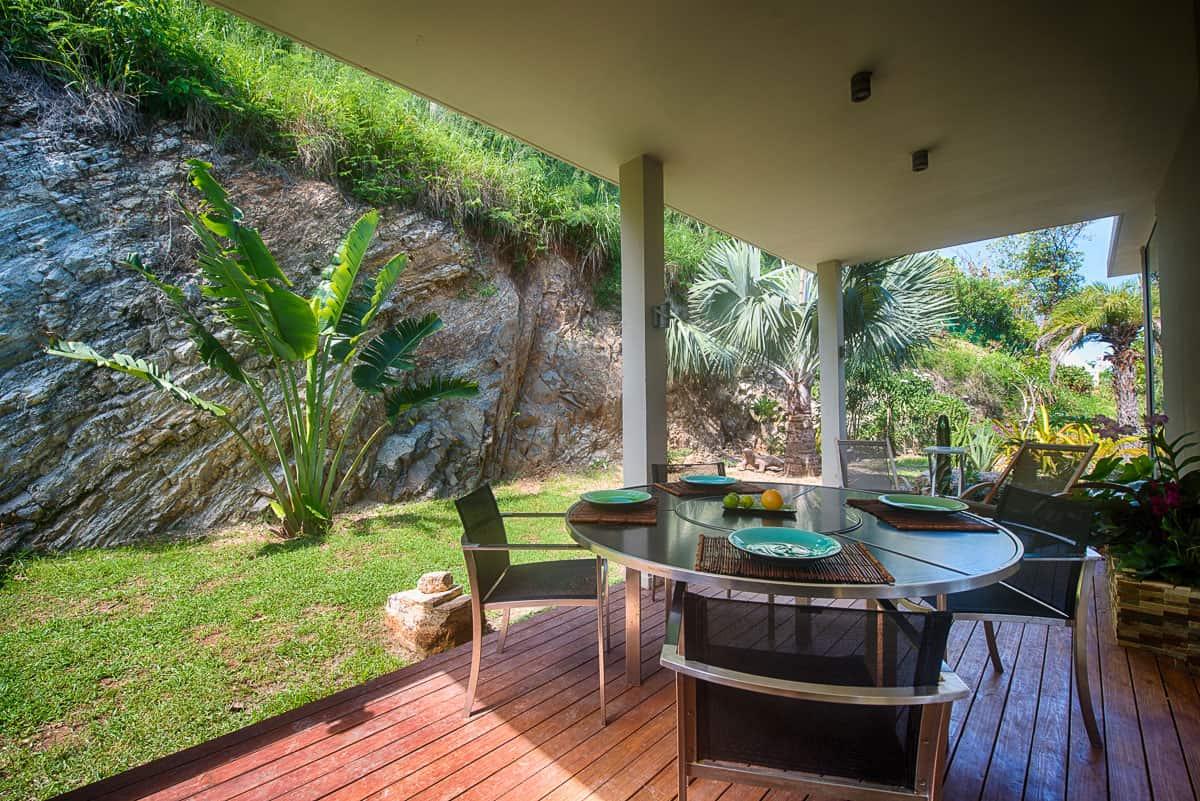 Sunrise dining terrace
