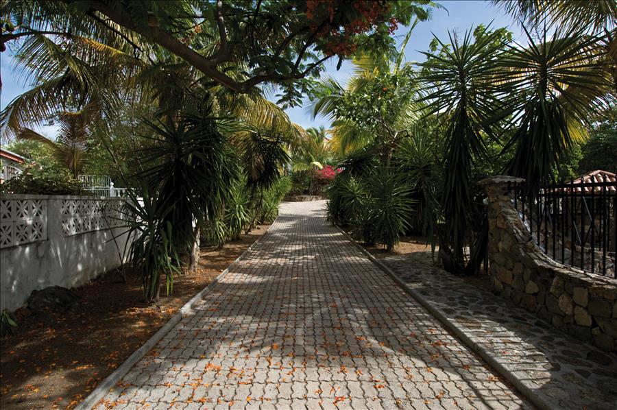 Belle Mer Entrance