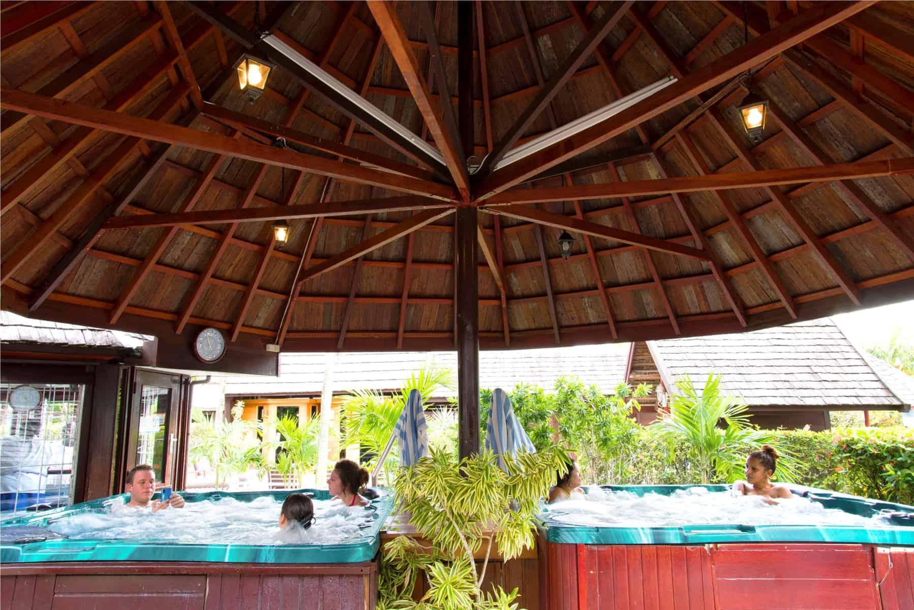 Torarica, Resort
