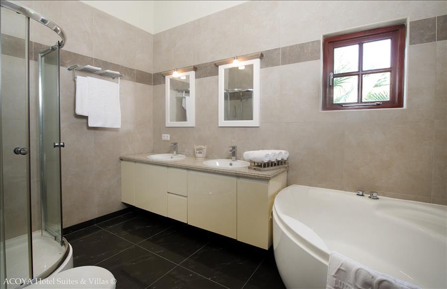 ACOYA Villa Bathroom