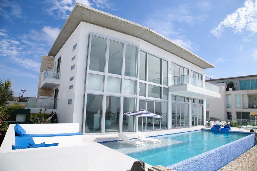 Aruba Beachfront Estate front of the house