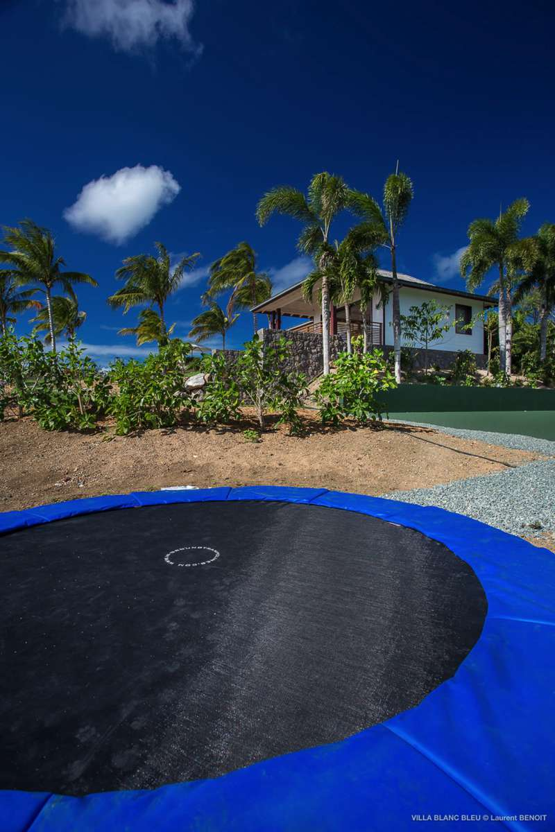 trampoline Villa Blanc Blue St Barths