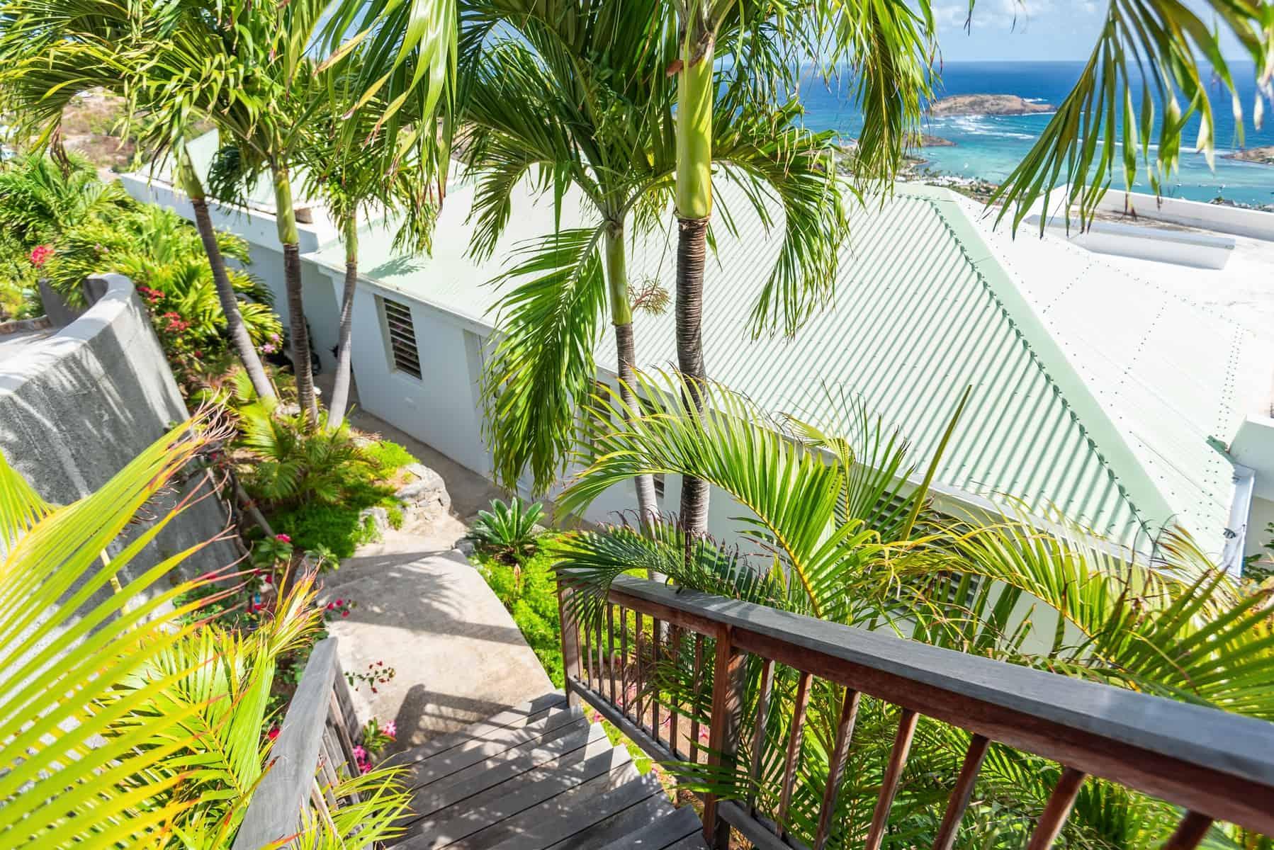 Modern 2 bedroom villa with extraordinary views of Grand Cul de Sac