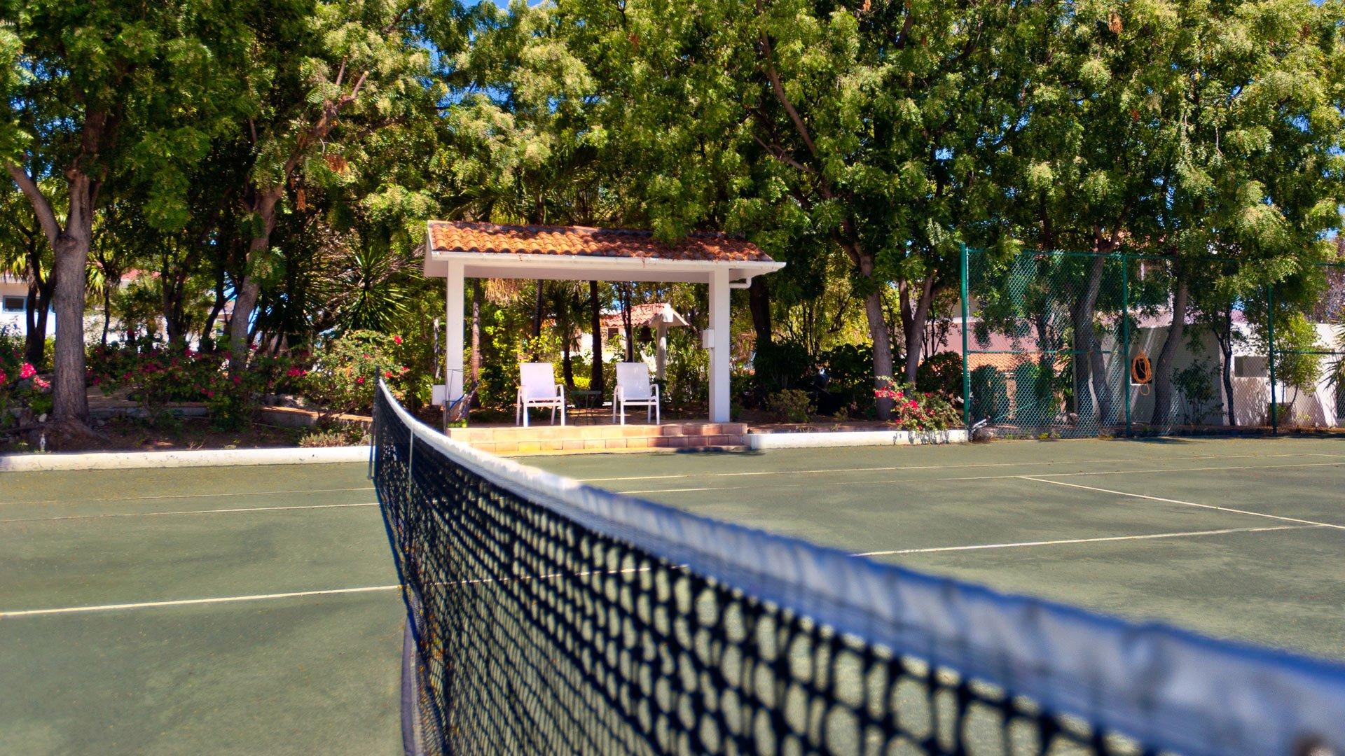 Zenaida tennis gazebo